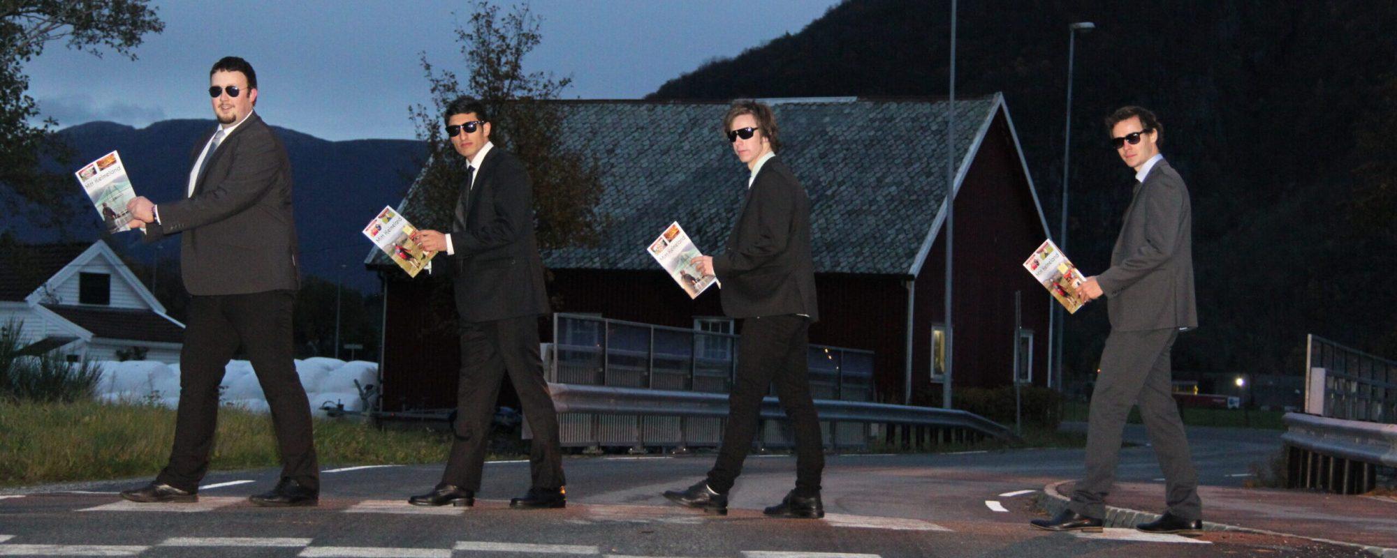 JOURNALISTAR: Morten Hetland, Nazir Safi, Geir Magne Staurland og Vegard Terøy var journalistar i Mitt Hjelmeland, medan Mitt Hjelmeland blei drive som lokalmagasin. (Foto: Mitt Hjelmeland)